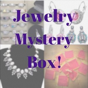 Resellers Jewelry Box 8-10 pieces MSRP $260-300